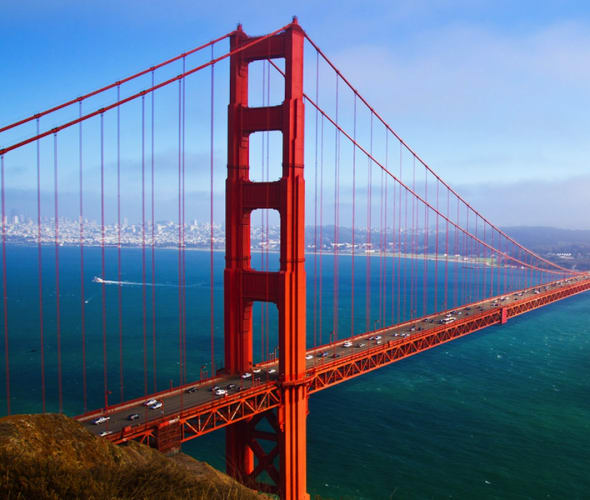 san francisco golden gate bridge with light fog rolling in